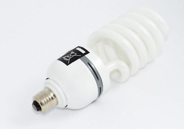 fluorescent-light-bulb