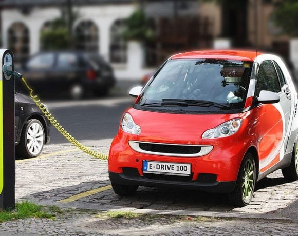 Electric Car recharging (Michael Movchin)