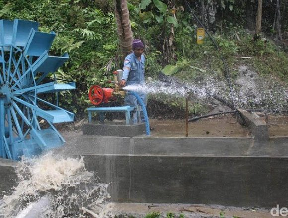 Water wheel in Banjarnegara (Uje Hartono - detikcom)