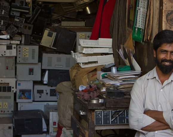 Indian E-Waste (Victor Grigas)