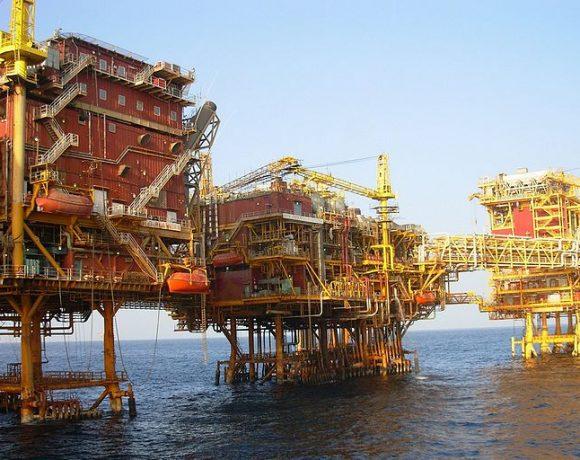 ONGC Oil Platform by Nandu Chitnis