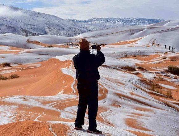 photographer took photo of sahara snow (Metro)