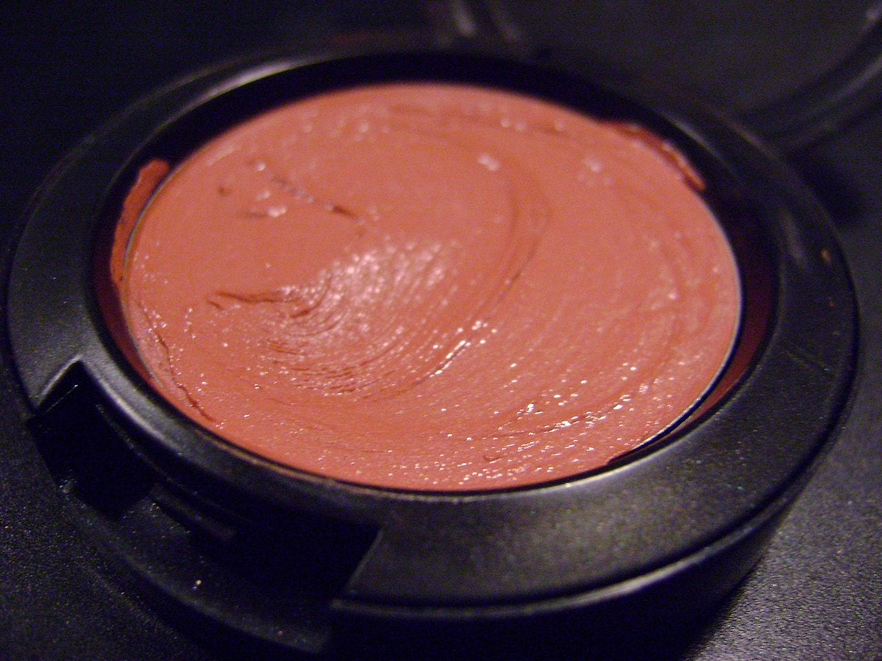 cream blush by Evi Michailidou wikimedia commons