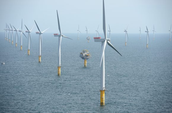 Sheringham_Shoal_Wind_Farm (Wikimedia Commons)