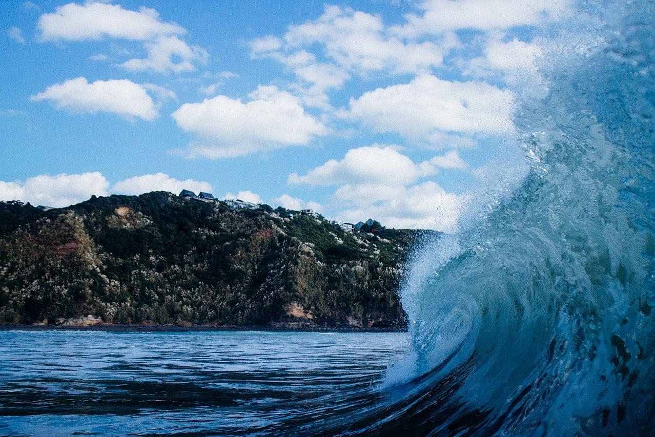 curling wave of Raglan