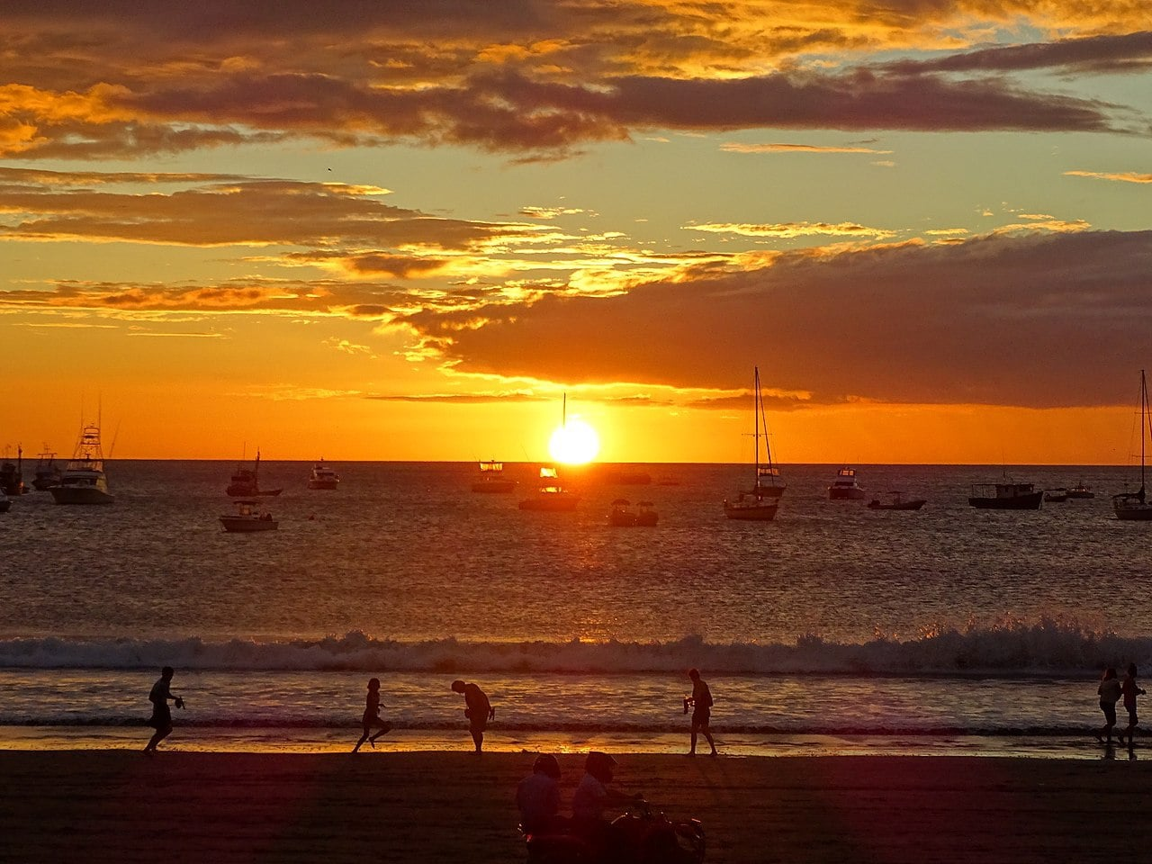 Sunset along San Juan del Sur beach by Adam Jones Flickr