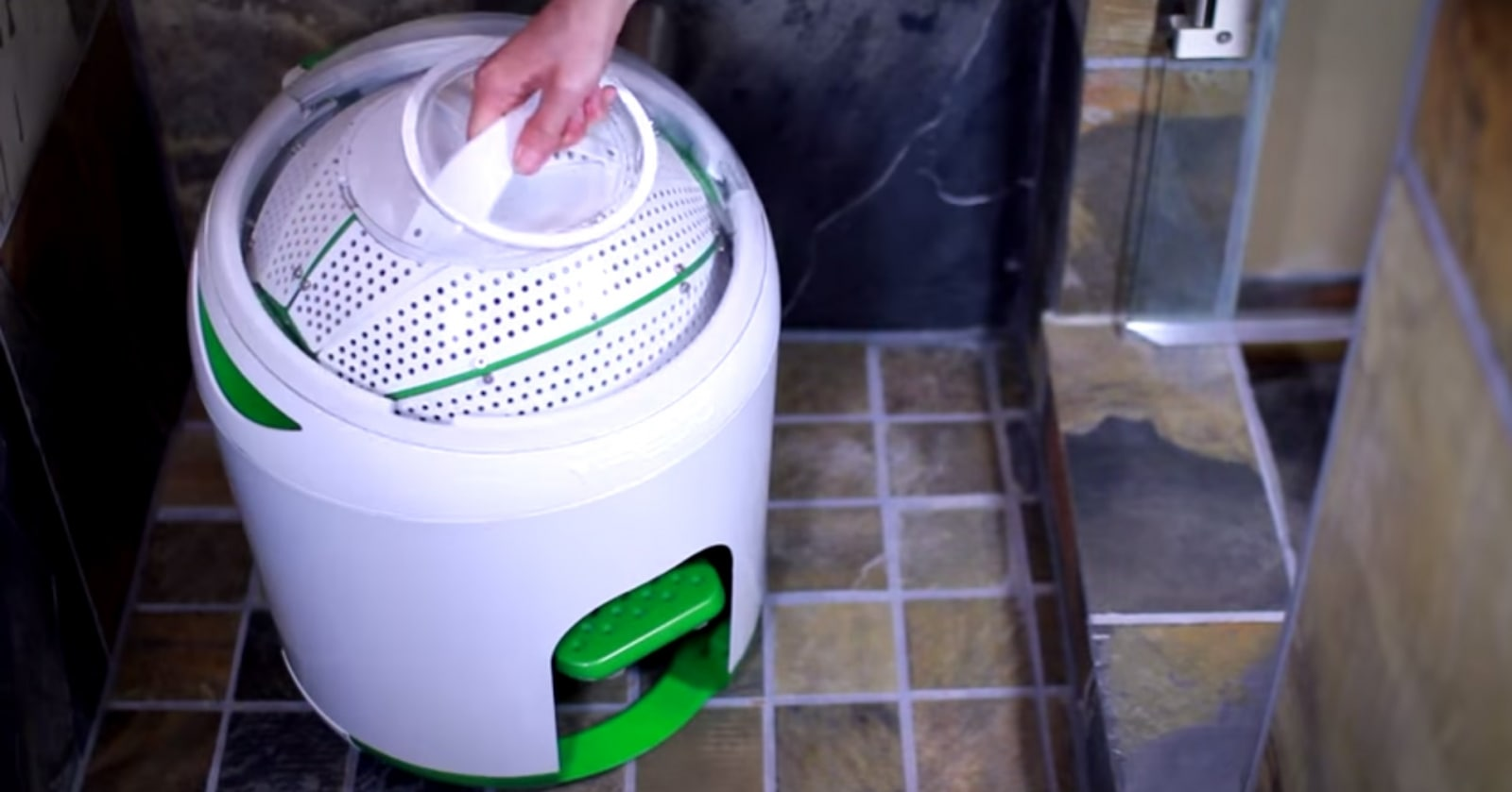 Drumi washing machine by Yirego