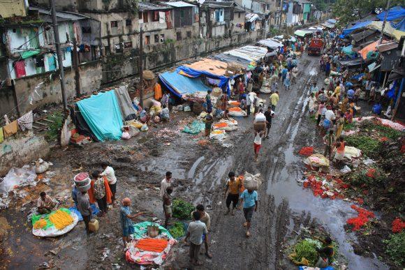 KolkataFlowerMarket (Wikimedia Commons)
