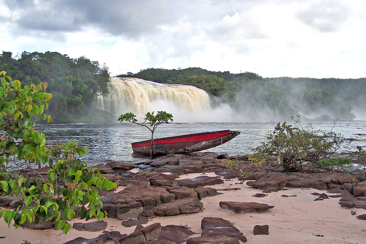 Canaima National Park by Le plombier du desert wikimedia commons