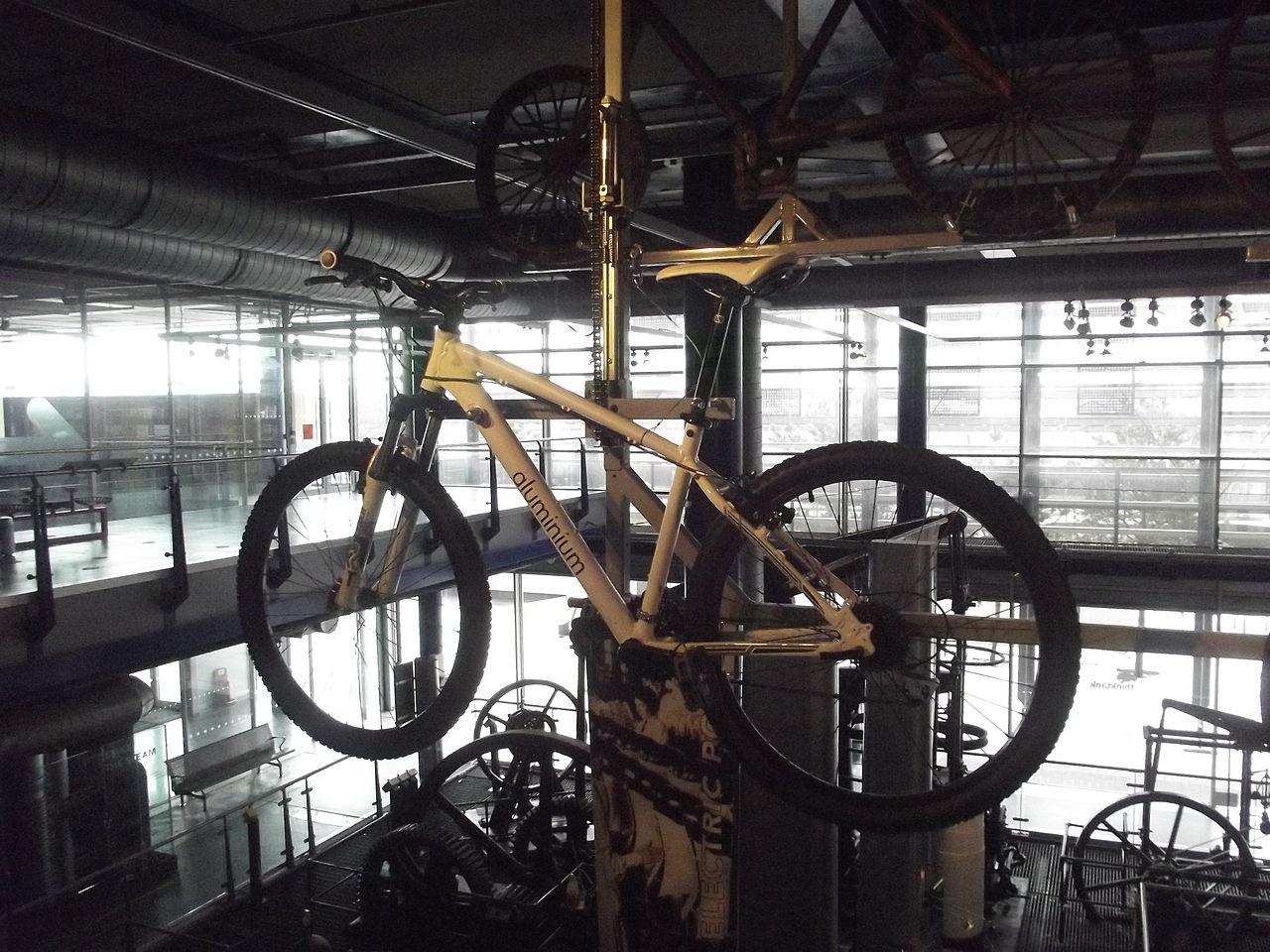 lightweight aluminium bike