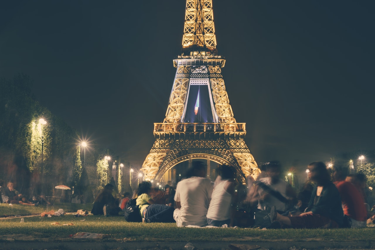 you can also take your dog around Eiffel Tower