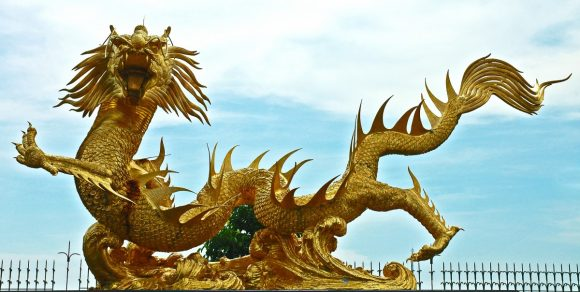 sculpture_dragons_golden_thailand