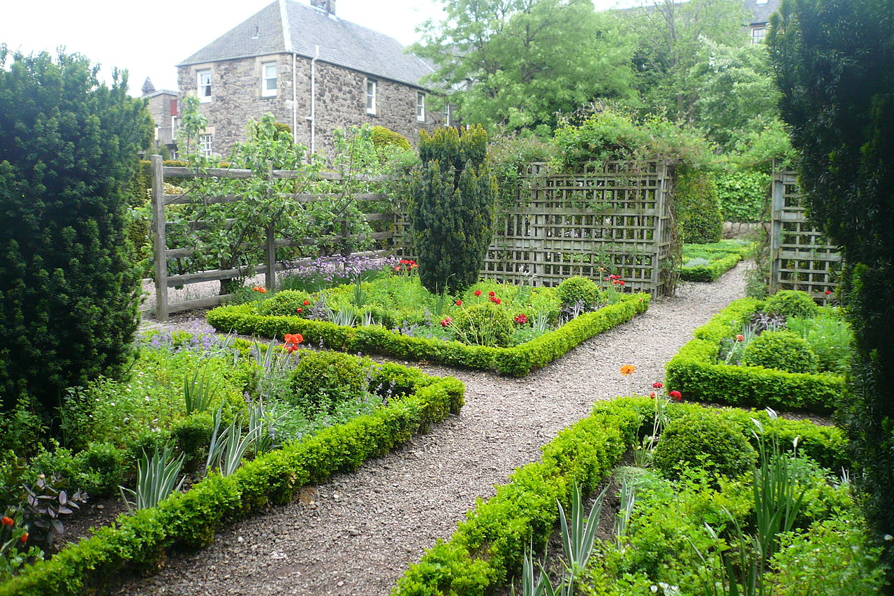 Dunbar's Close Garden by Sir Gawain WIkimedia Commons