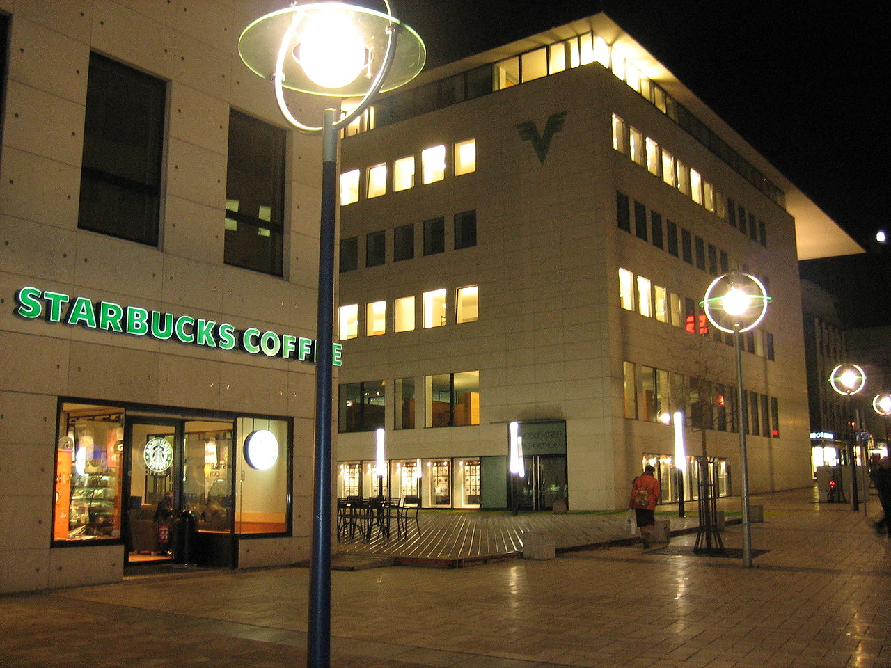 Starbucks Coffee in Dortmund by Sven2512 Wikimedia Commons