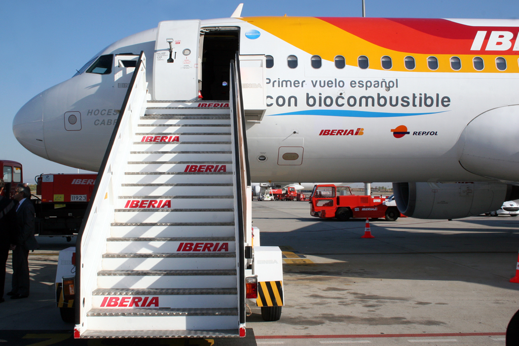 the first biofuel flight in Spain by Curimedia Wikimedia Commons