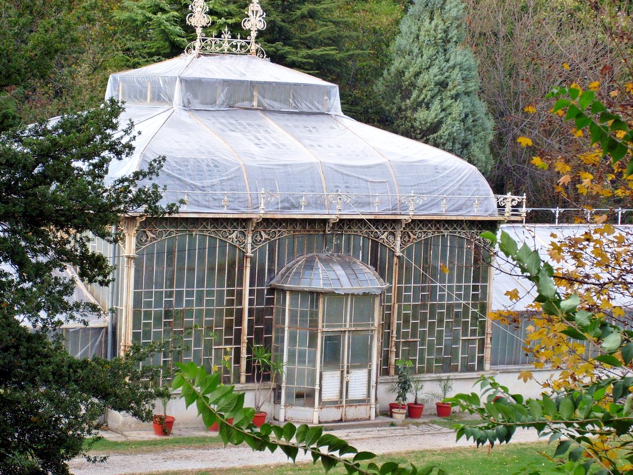 Jevremovac Botanical Garden by Orjen Wikimedia Commons