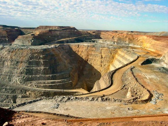 gold mine (Wikimedia Commons)