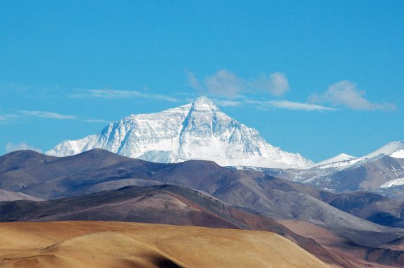 Mount Everest 2 (Wikimedia Commons)
