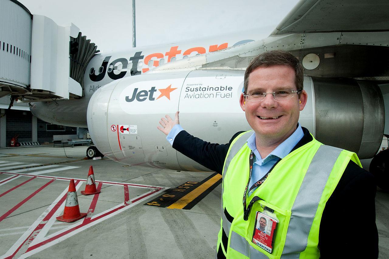 Jetstar ANZ CEO prepares to board biofuel flight at Melbourne Airport