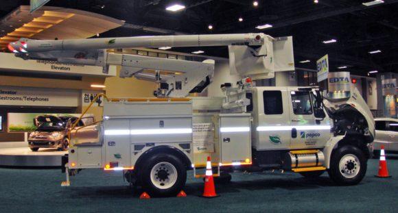 Hybrid diesel-electric truck