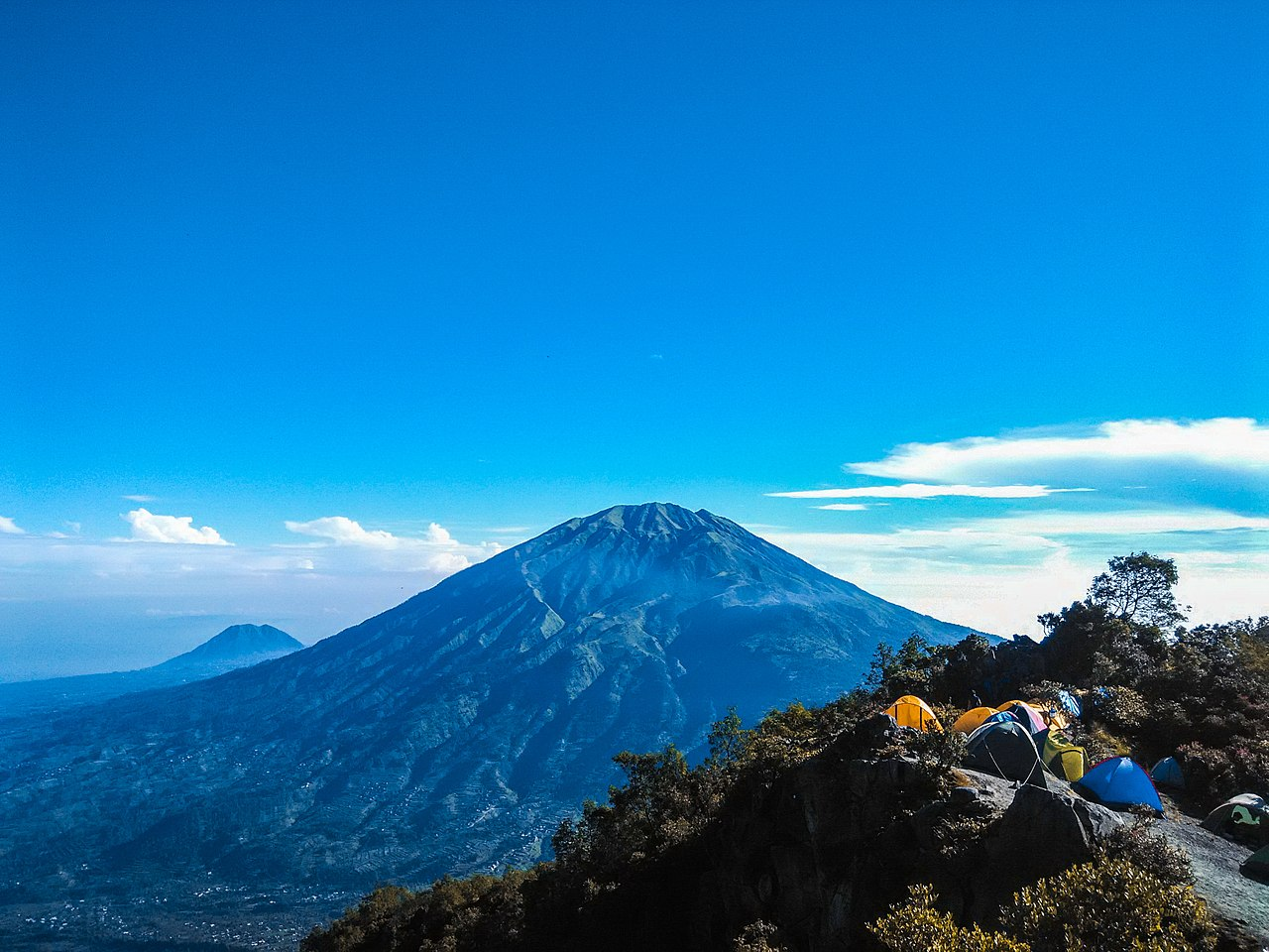 Merapi by Anggowidhi Wikimedia Commons