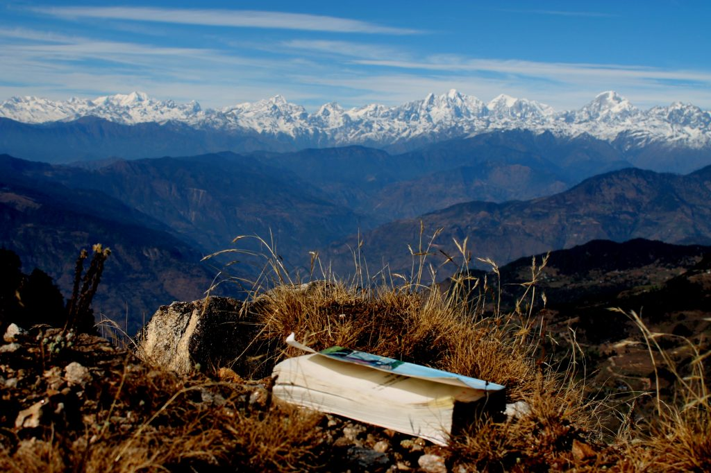 Mountain_view_from_Jiri,_Nepal (Wikimedia Commons)