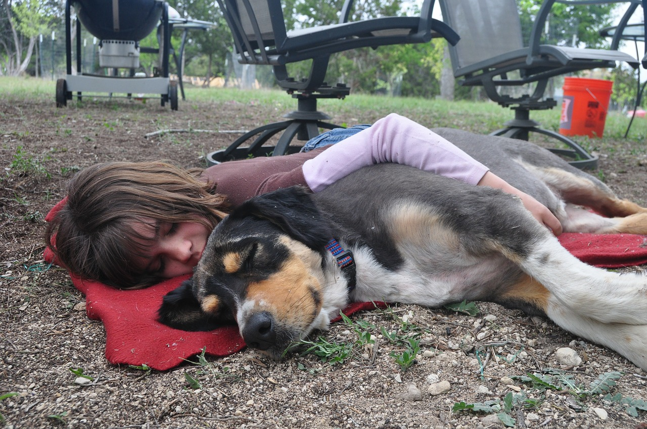 sleeping with pets gives you benefits