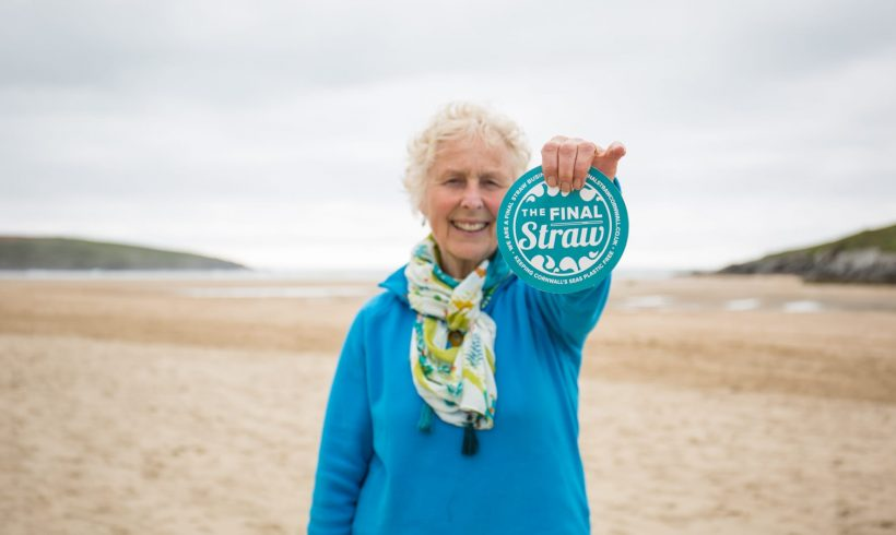 Grandma Power: This 70-Year-Old Managed to Clean Trash Off 52 Beaches