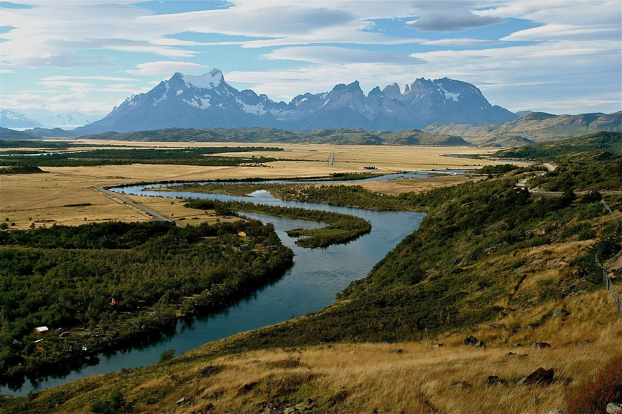 Cordillera del Paine and Serrano River by Evelyn Proimos Wikimedia Commons