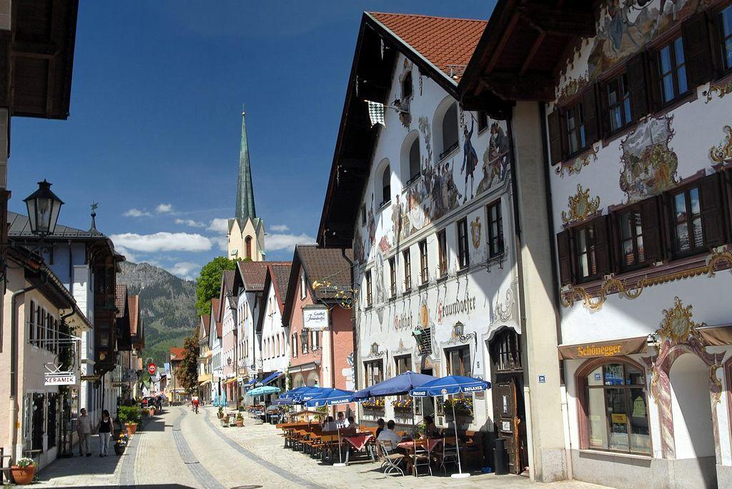 Garmisch-Partenkirchen by User: Bbb Wikimedia Commons