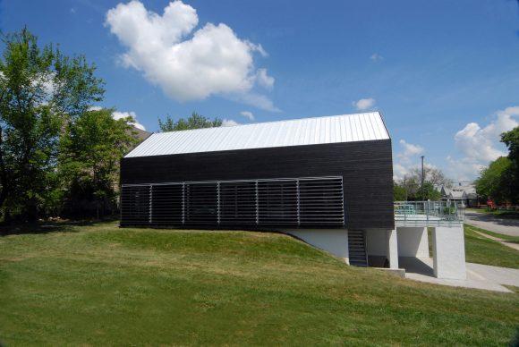 passive house (wikimedia Commons)