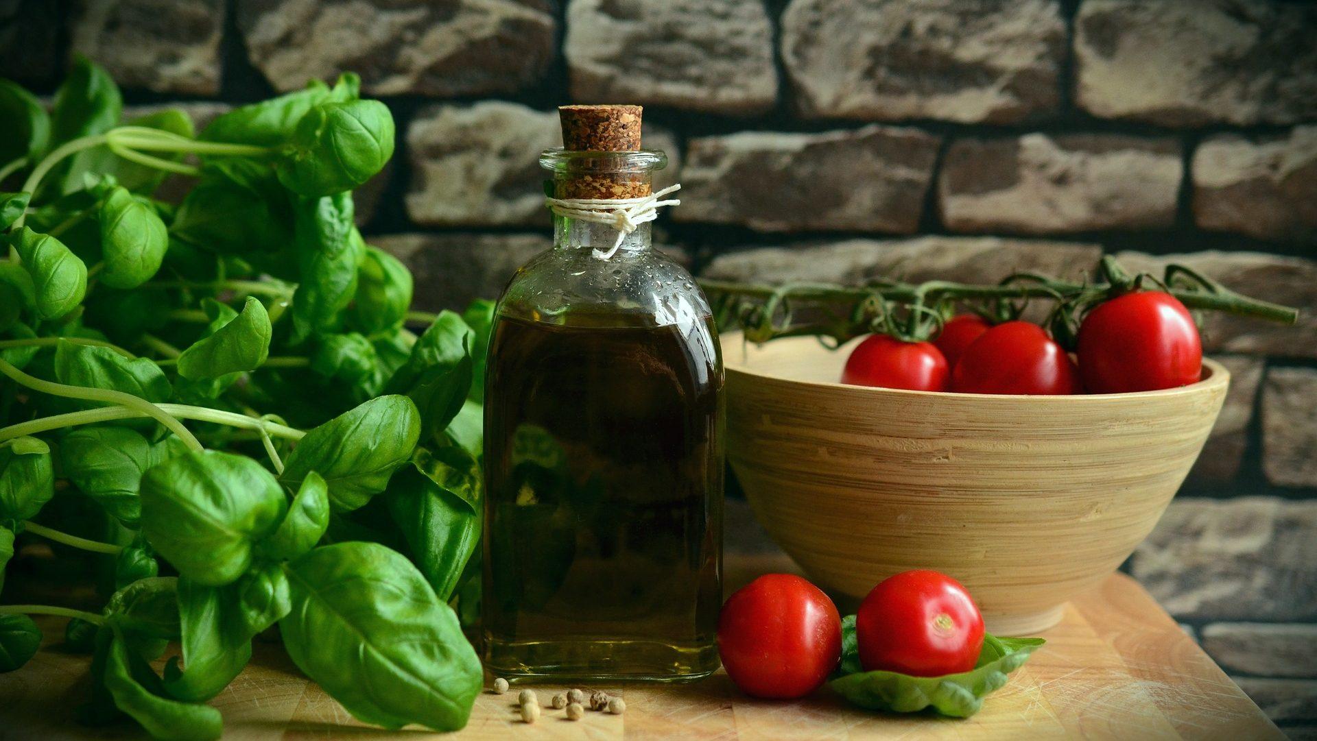 cropped-Olive-oil-.jpg