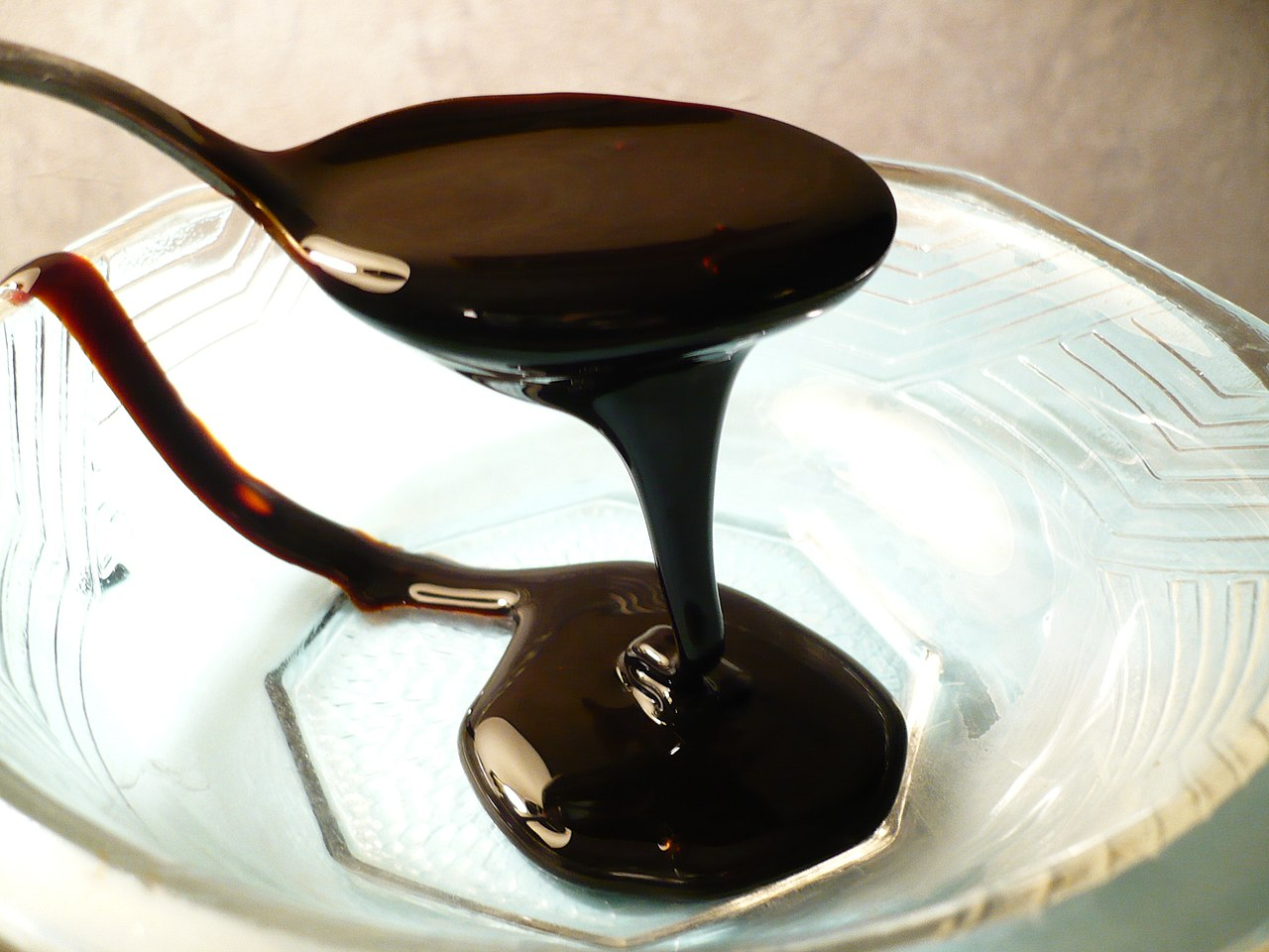 Blackstrap molasses by Badagnani Wikimedia Commons