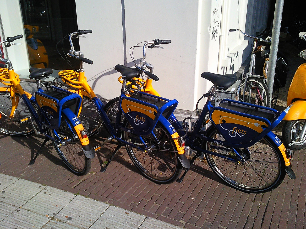 OV-bicycles in Utrecht. Photo by Brbbl Wikimedia Commons