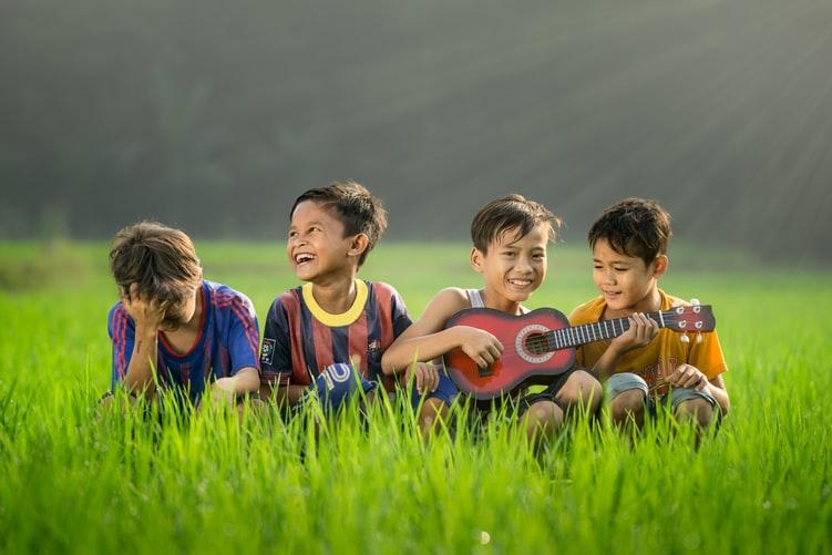 kids nature guitar