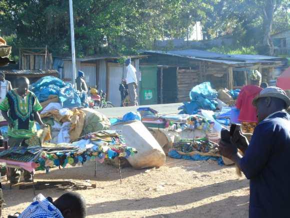 Kitenge market (Wikimedia Commons)