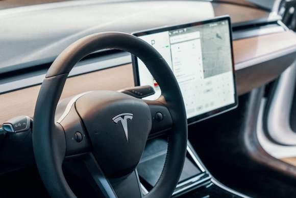 Tesla steering wheel by Tony Webster
