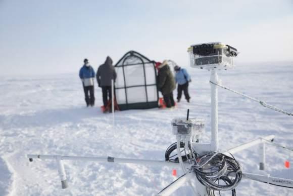 Team-in-Utqiagvik-Alaska (Arctic Ice Project) glass