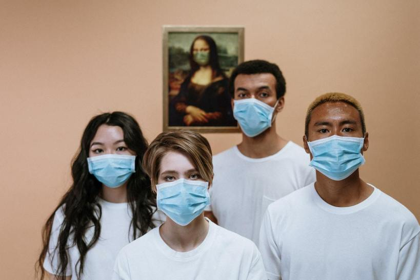 Experts Say Disposable Masks Contain Nanoplastics and Other Pollutants