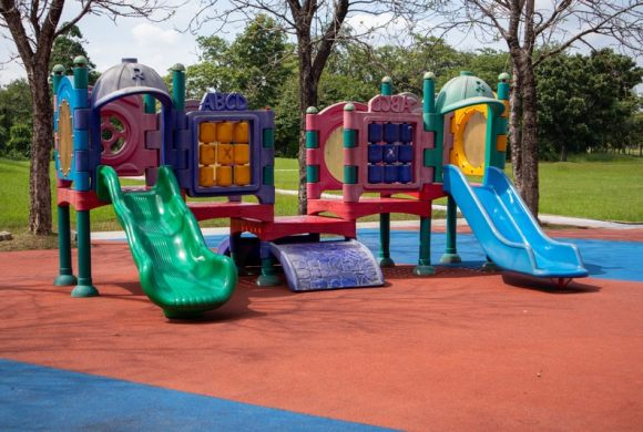 natural-playground-outdoor-play-equipment-public-space-playground-slide-chute